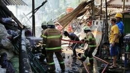 Diduga Konsleting Listrik, Gudang Rongsok di Pangandaran Terbakar