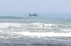 Tim SAR Masih Terus Lakukan Pencarian Bocah yang Terseret Ombak di Pantai Karapyak