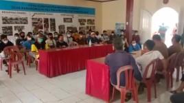 Aliansi Masyarakat Desa Karangmulya Sempat Ricuh Saat Gelar Audensi di Kantor Desa