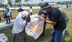 Gelar Baksos, Komunitas SOCI Bagikan Sembako Kepada Warga di Pangandaran