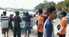 Hari Pertama Tim SAR Gabungan Lakukan Pencarian Tiga Nelayan yang Hilang Diterjang Ombak