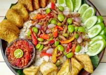 Resep Masakan, Cara Membuat Nasi Liwet Cumi Asin Rice Cooker