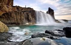 Memanjakan Mata dan Kaki di Pantai Mekaki Lombok
