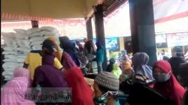 Aduh! Penyaluran BPNT di Kota Banjar Malah Melanggar Protokol Kesehatan