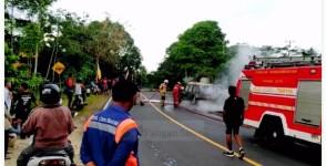 Minibus di Pangandaran Ludes Dilalap si Jago Merah