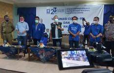 Ketum PAN Zulkifli Hasan Bagikan Ribuan Paket Sembako di Ciamis