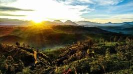 Pesona Wisata Sunrise Point Cukul Pangalengan