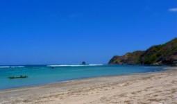 Pesona Keindahan Pantai Serenting Lombok yang Cantik dan Memukau