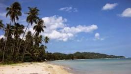 Menjelajahi Surga Terpencil Pulau Sabuntan Jawa Timur dengan Keindahan yang Tiada Banding