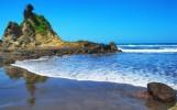 Pantai Karang Nini, Keindahan Laut dengan Legenda Cinta yang Mengharukan