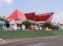 7 Destinasi Wisata Satwa Kebun Binatang di Jawa Timur yang Keren dan Berkesan
