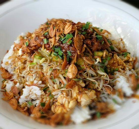 Resep  Masakan,Cara Membuat Nasi Lengko Khas Cirebon