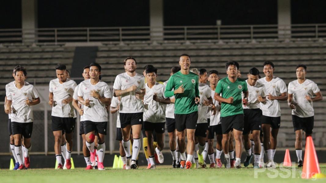 Timnas Indonesia Berlatih Perdana Tanpa Didampingi Pelatih Shin Tae-yong