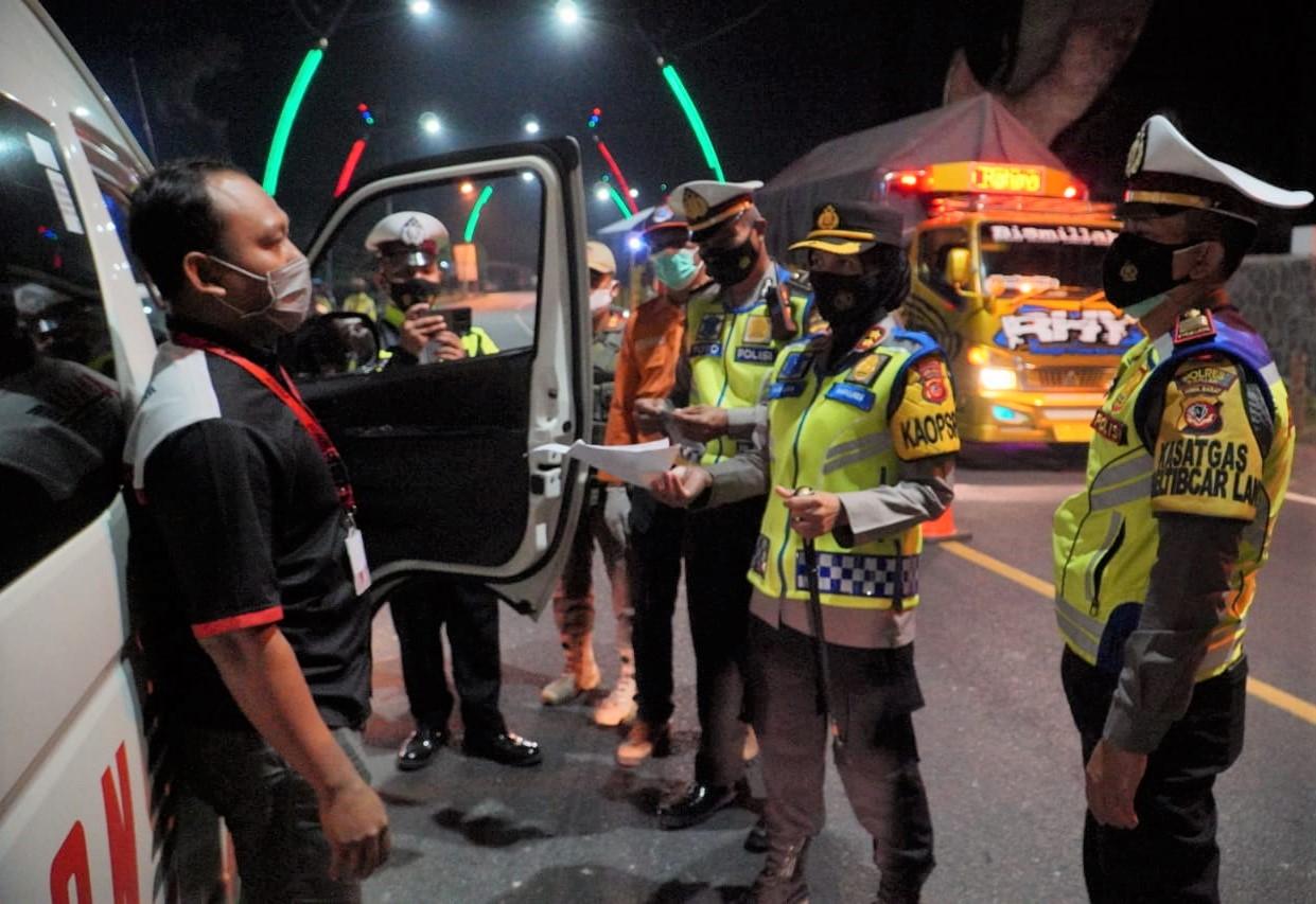 Polres Banjar Gelar Operasi Penyekatan Larangan Mudik, Puluhan Kendaraan Diputar Balikan