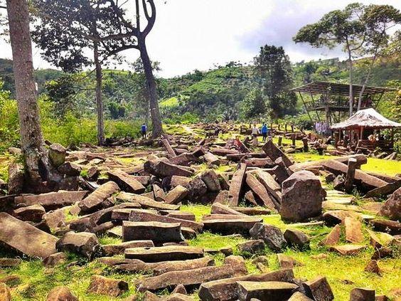 Misteri Situs Gunung Padang Jawa Barat, Megalitik Terbesar Benarkah Tempat Pesugihan?