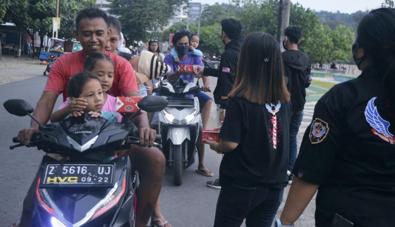 234 Solidarity Community (SC) Pangandaran Santuni Fakir Miskin dan Anak Yatim Piatu
