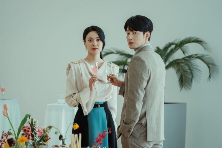 Link Streaming Drama Korea Mine Episode 4 Sub Indo, Hi Soo Versus Kang Je Kyeong