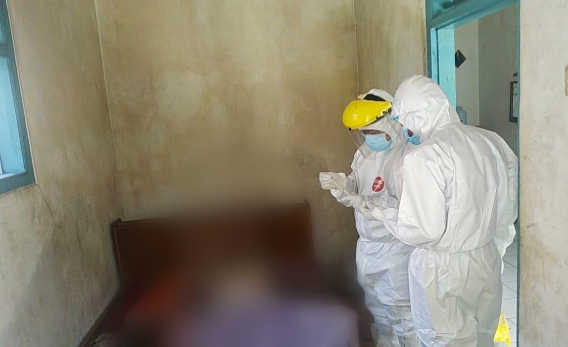 Warga Desa Cimindi  Cigugur Cium Bau Busuk, Ternyata Ada Jasad di Salah Satu Rumah