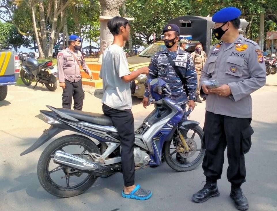 Duh! Petugas Gabungan di Pangandaran Masih Temukan Warga yang Abaikan Prokes