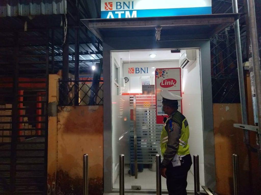 ATM Link Mulai Berbayar, Ini Dia Tarif dan Cara Mengenali Mesin ATM Berbayar!
