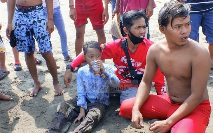 Berenang di Lokasi Terlarang, Bocah Asal Banjarsari Nyaris Tenggelam di Pantai Pangandaran