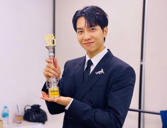 17 Tahun Bersama, Lee Seung Gi Keluar dari Agensinya dan Dirikan Agensi Sendiri