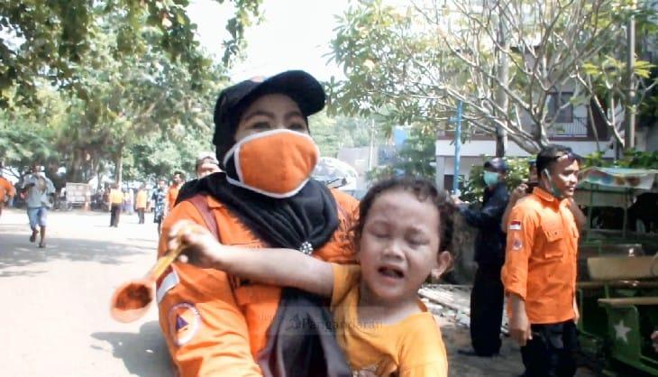 Sirine Peringatan Tsunami di Pangandaran Berbunyi, Ratusan Wisatawan Berhamburan
