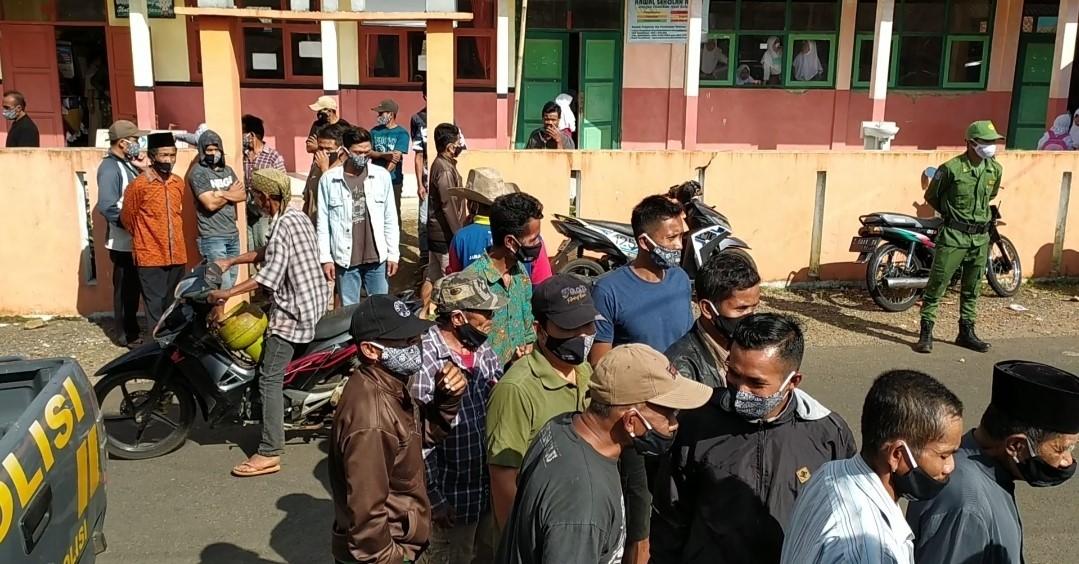 Kantor Desa Bojongkondang Langkaplancar Diontrog Puluhan Warga, Inilah Penyebabnya!