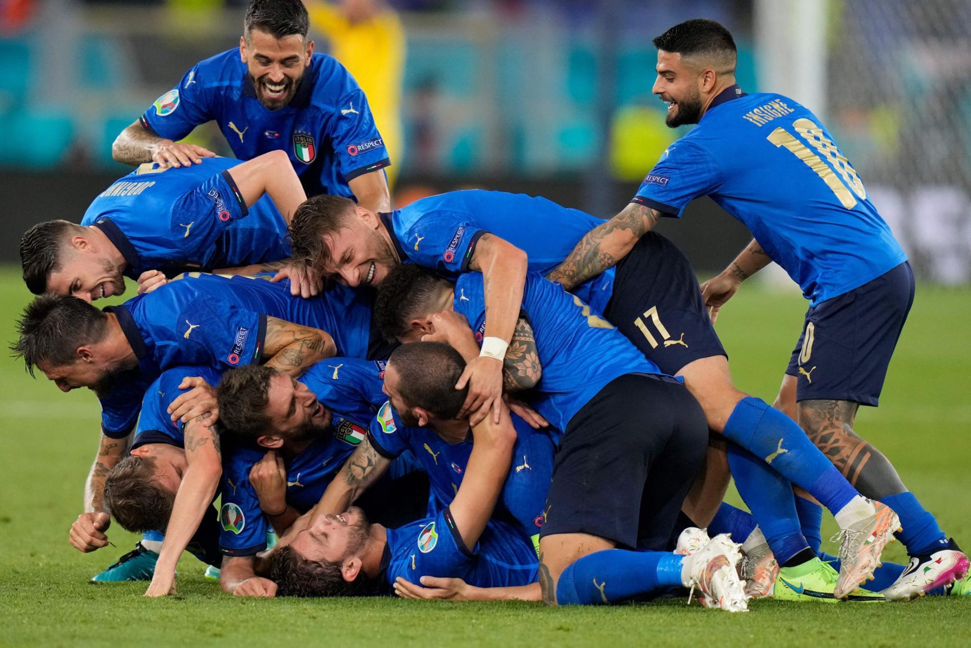 Hasil Italia vs Swiss, Menang 3-0 Italia Maju ke Babak 16 besar