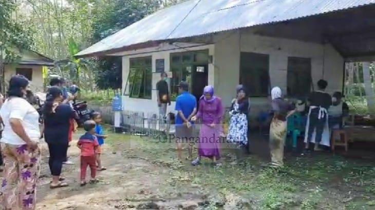 Tim Satgas Covid-19 Kecamatan Kalipucang Datangi Warga di Daerah Terpencil untuk Divaksinasi