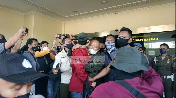 Ratusan Massa di Kota Banjar Unjuk Rasa Tolak PPKM Darurat Berujung Ricuh
