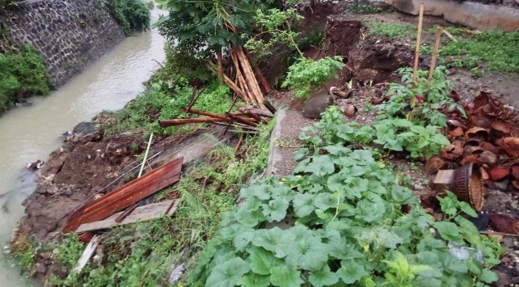 TPT Sepanjang 17 Meter di Ciganjeng Pangandaran Ambrol di Terjang Hujan Deras