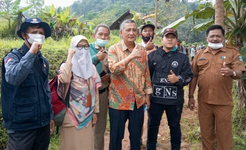 Kelompok Tani situhiang Langkaplancar Pangandaran Budidayakan Bibit Bawang Merah