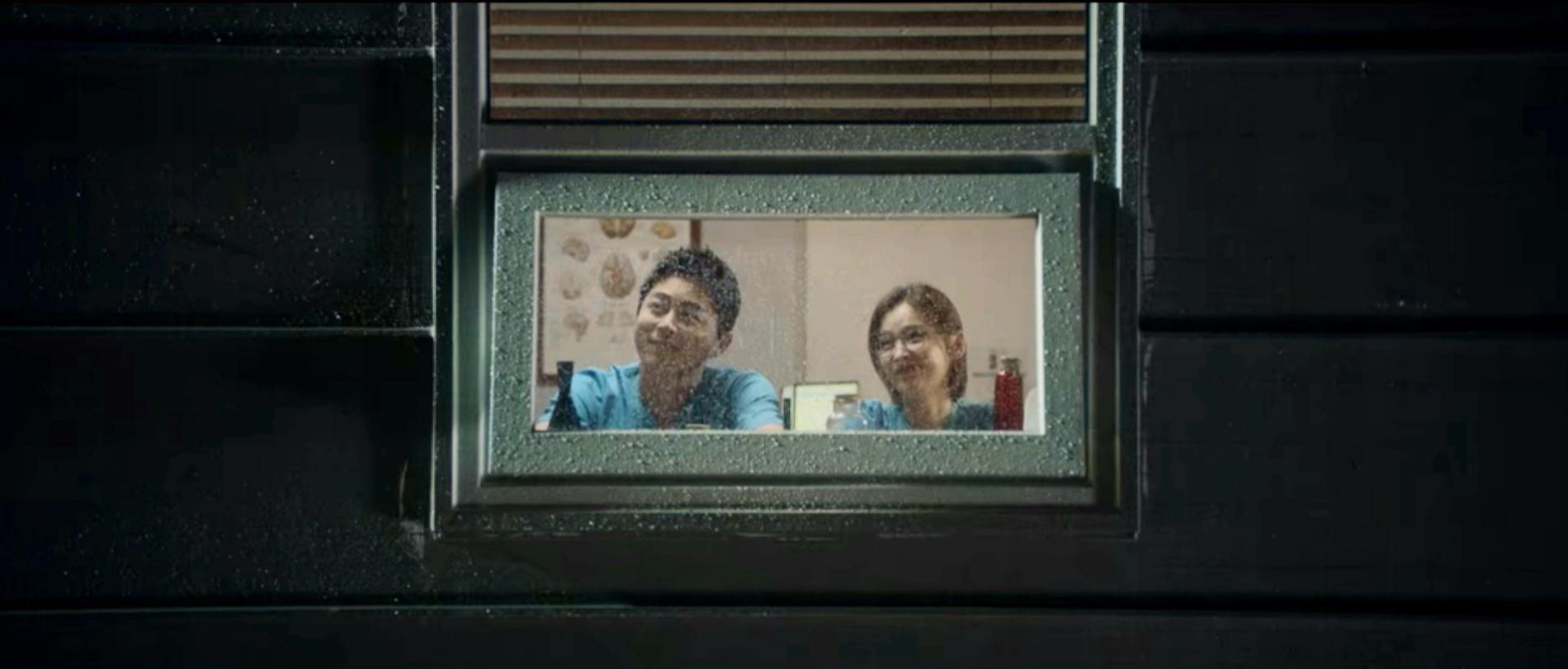 Drama Korea Hospital Playlist 2 Episode 11 Sub Indo, Hadiah Spesial untuk Ik Jun