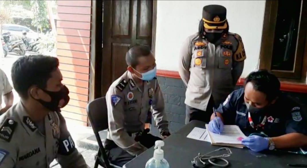 Satlantas Polres Banjar Gelar Baksos Donor Darah Dalam Rangka Memperingati HUT Lalu Lintas Bhayangkara ke-66